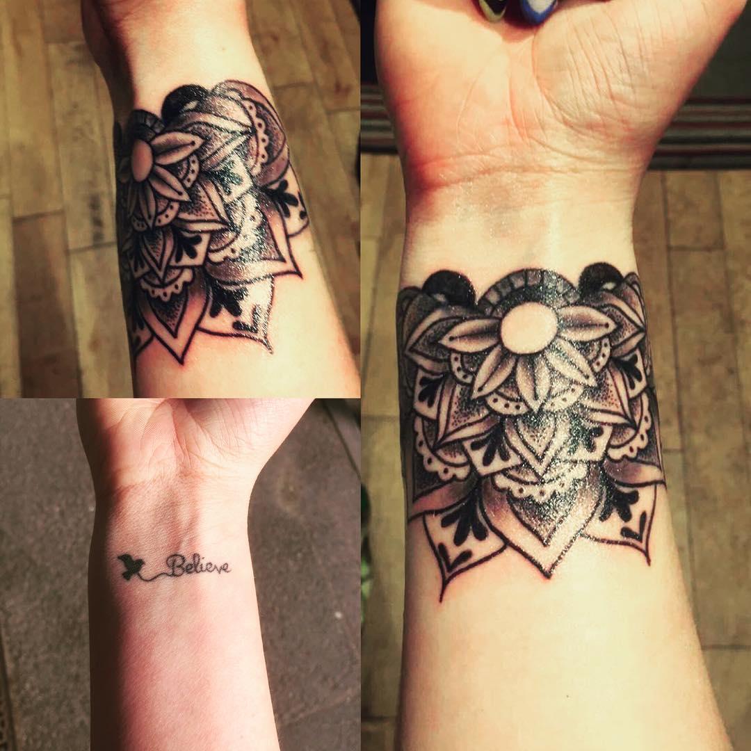 0532aa383 30 Small Wrist Tattoos Tattoo Designs Design Trends Premium regarding  dimensions 1080 X 1080