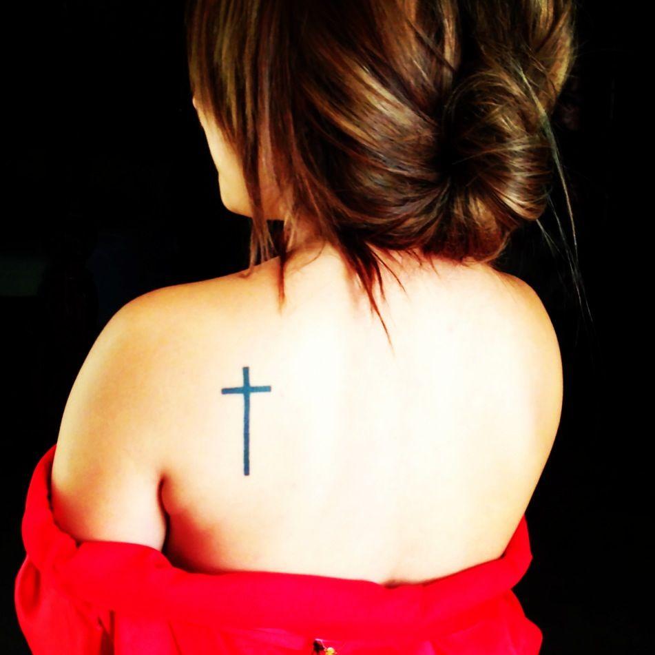 Cross Tattoo On Shoulder Blade Love It Tatt Piercing Ideas regarding sizing 951 X 951
