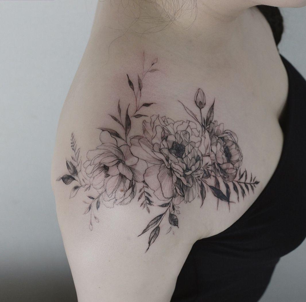 45 Front Shoulder Tattoo Designs For Beautiful Women 2019 Shoulder regarding size 1066 X 1053