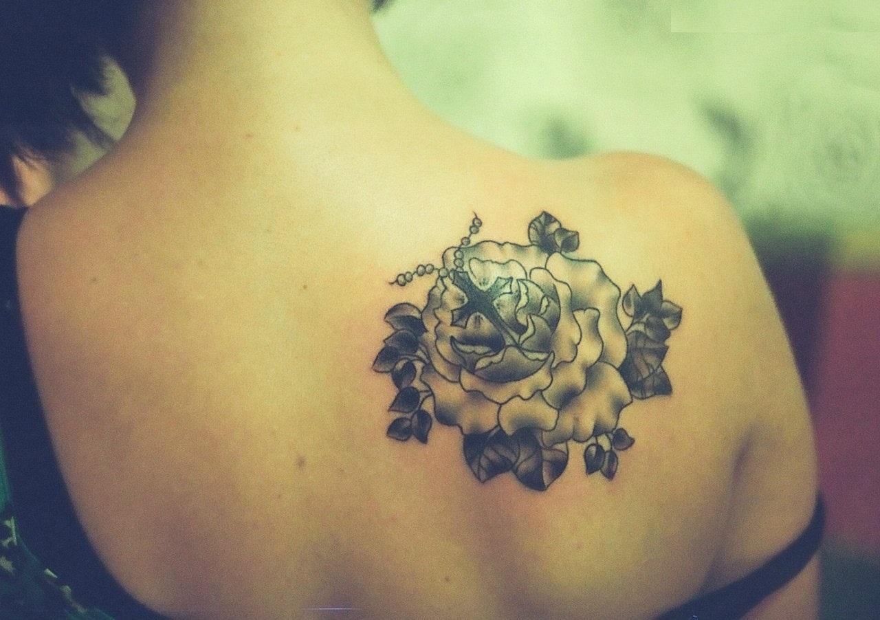 50 Shoulder Blade Tattoo Designs Meanings Best Ideas 2019 regarding size 1280 X 902