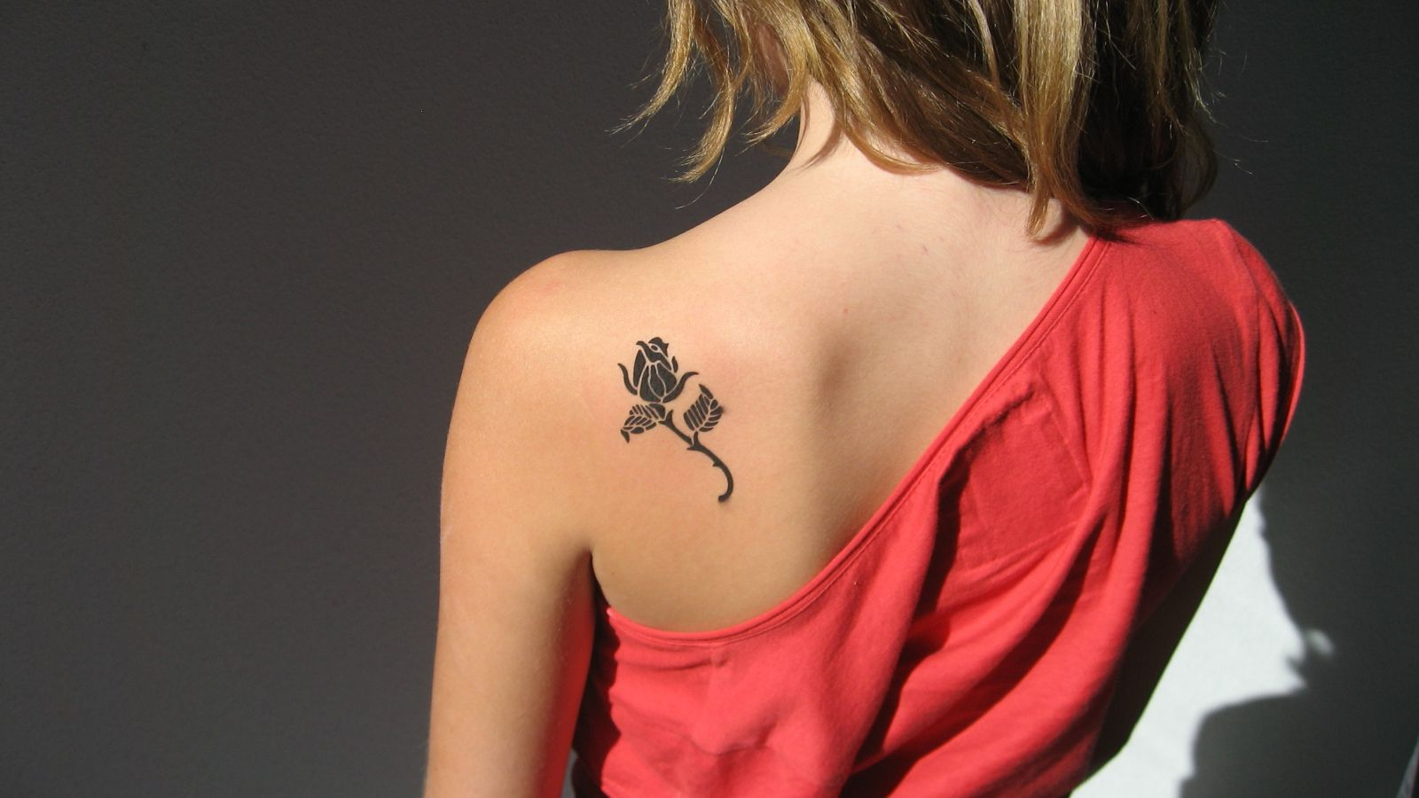 Girl Tattoos On Shoulder Blade 30 Small Cute Tattoos For Girls intended for sizing 1600 X 900