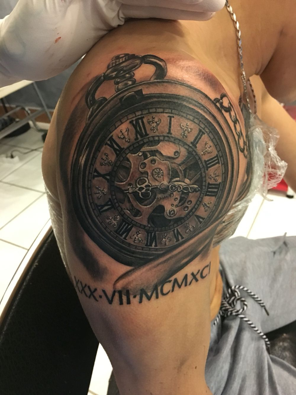Tattoo On Shoulder Clock Tattoos That I Love Tattoos For Guys with regard to measurements 1000 X 1334